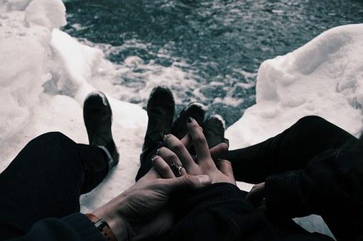 Varför stannar många kvar i en relation de borde lämna?